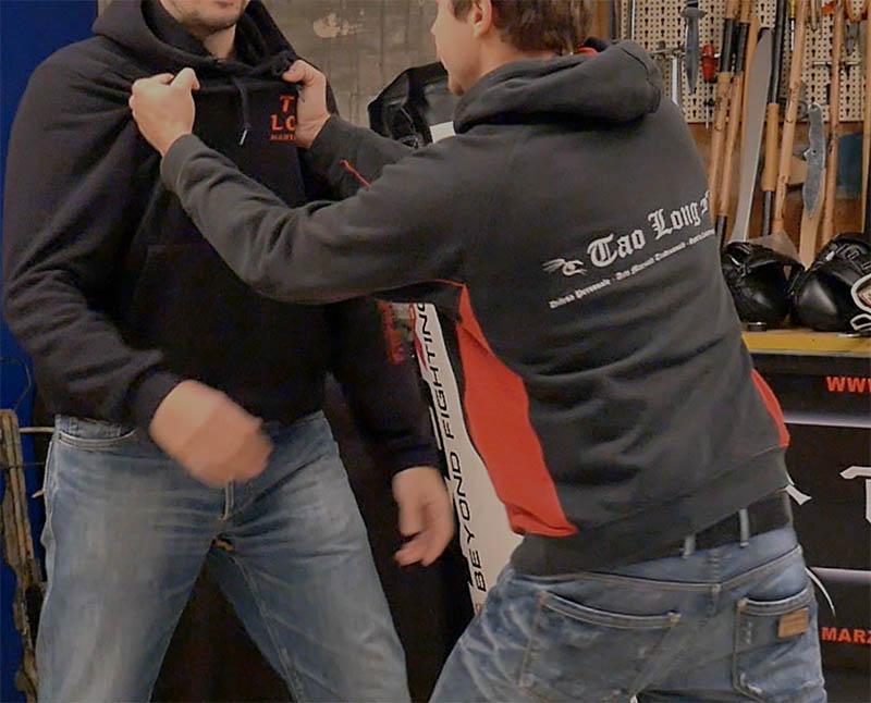 spintone a due mani difesa personale